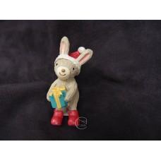 拿聖誕禮物小兔擺飾